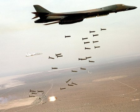 450px-b1-b_lancer_and_cluster_bombs.jpg